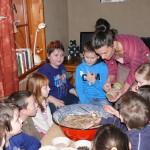 projekt Náš Jarošov - 2. část - pečení chleba - 9.12. 2015 043