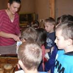 projekt Náš Jarošov - 2. část - pečení chleba - 9.12. 2015 091